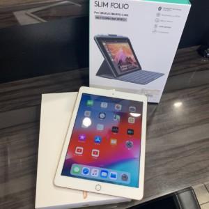 iPad 第6世代 32GB + キーボード付カバー