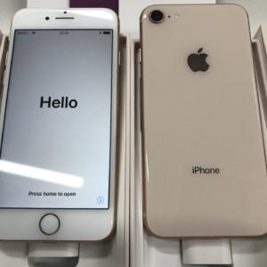 iPhone8 中古品